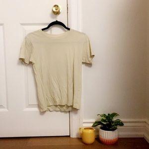 Yellow/cream t-shirt 🍌